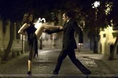 Bailarines y cantantes de tango
